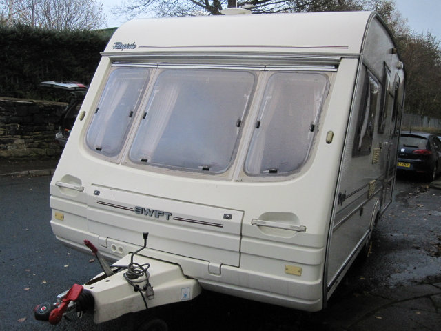 Swift Rapide GXL 450 Caravan Photo