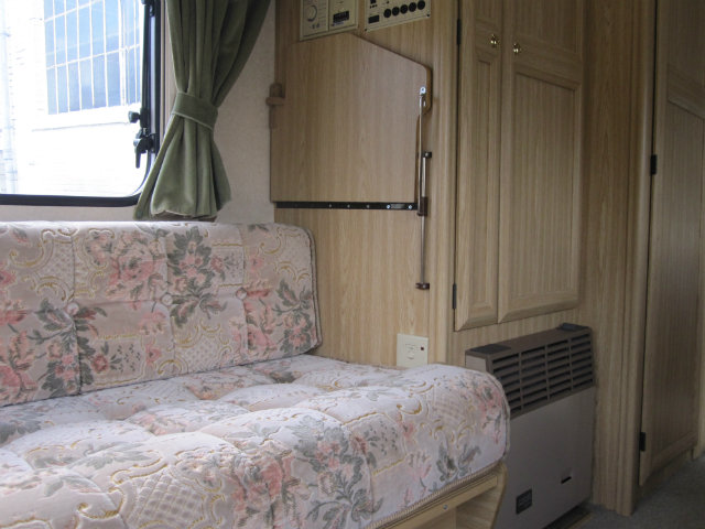 Elddis Force 450ct Caravan Photo