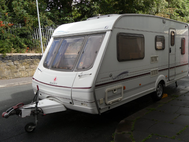 swift Lifestyle 490 Caravan Photo