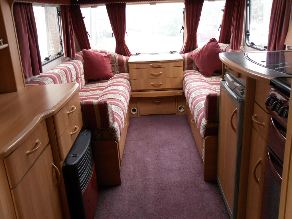 Swift Challenger 480SE Caravan Photo