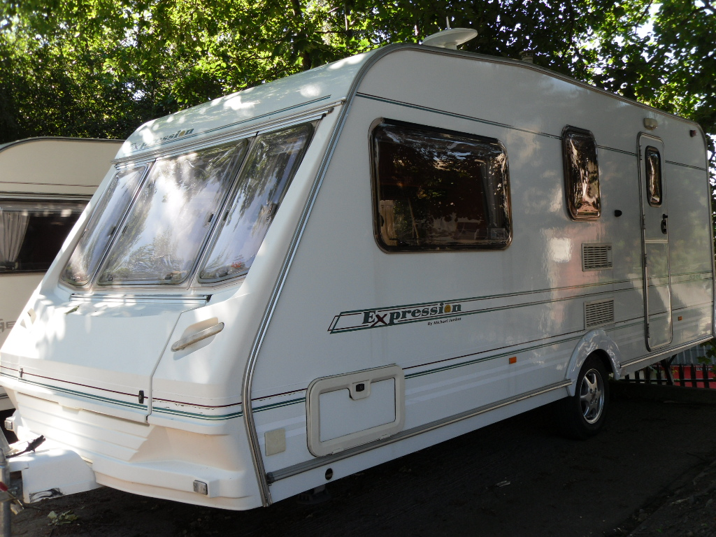 Abbey Expression 520L Caravan Photo