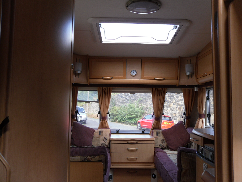 Abbey Vogue 415 Caravan Photo