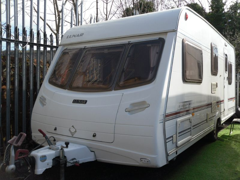Lunar Ultima 525 Caravan Photo